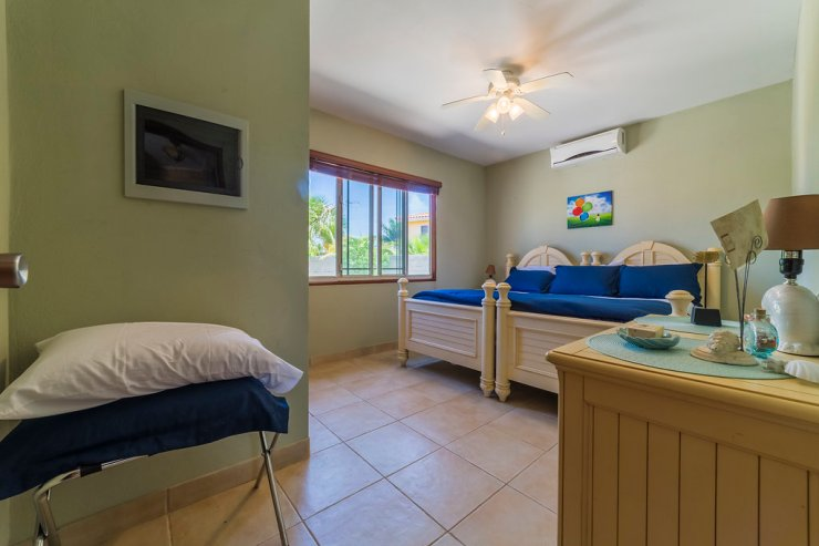 aruba-family-vacation-rental-home-with-pool