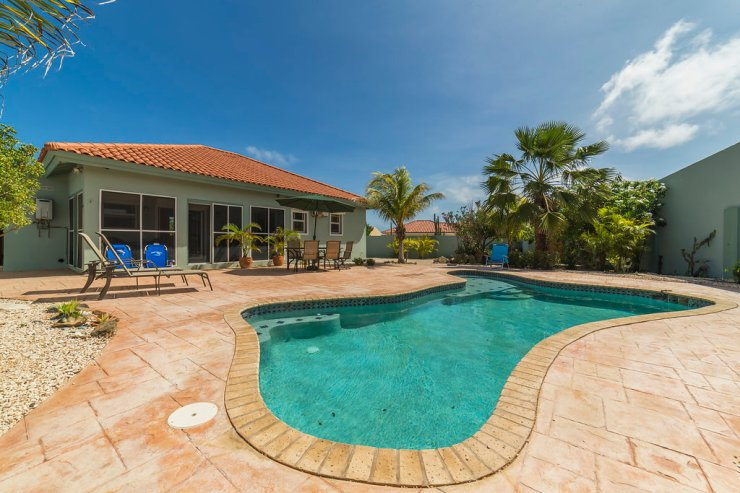 aruba-vacation-home-with-pool