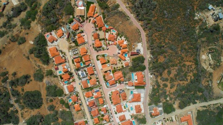 Canaruba_aerial_neighbourhood