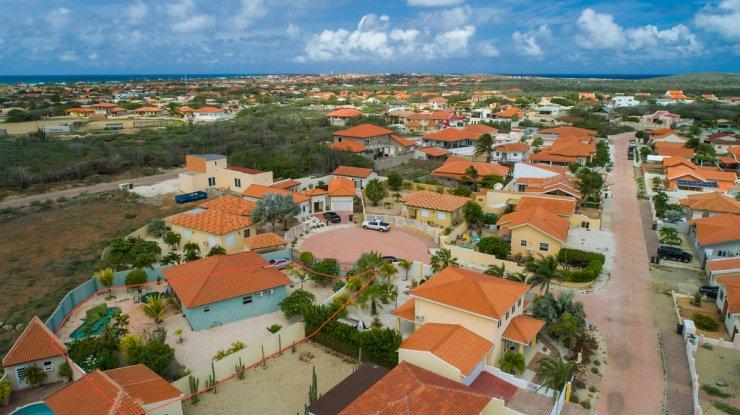 Canaruba_aerial_street