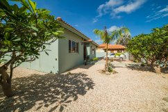 vacation-rental-with-pool-aruba
